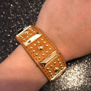 Rebecca minkoff tan leather gold grommets brclt